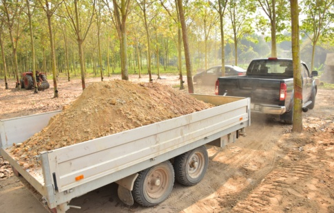 4 Signs Your Trailer Needs Repair